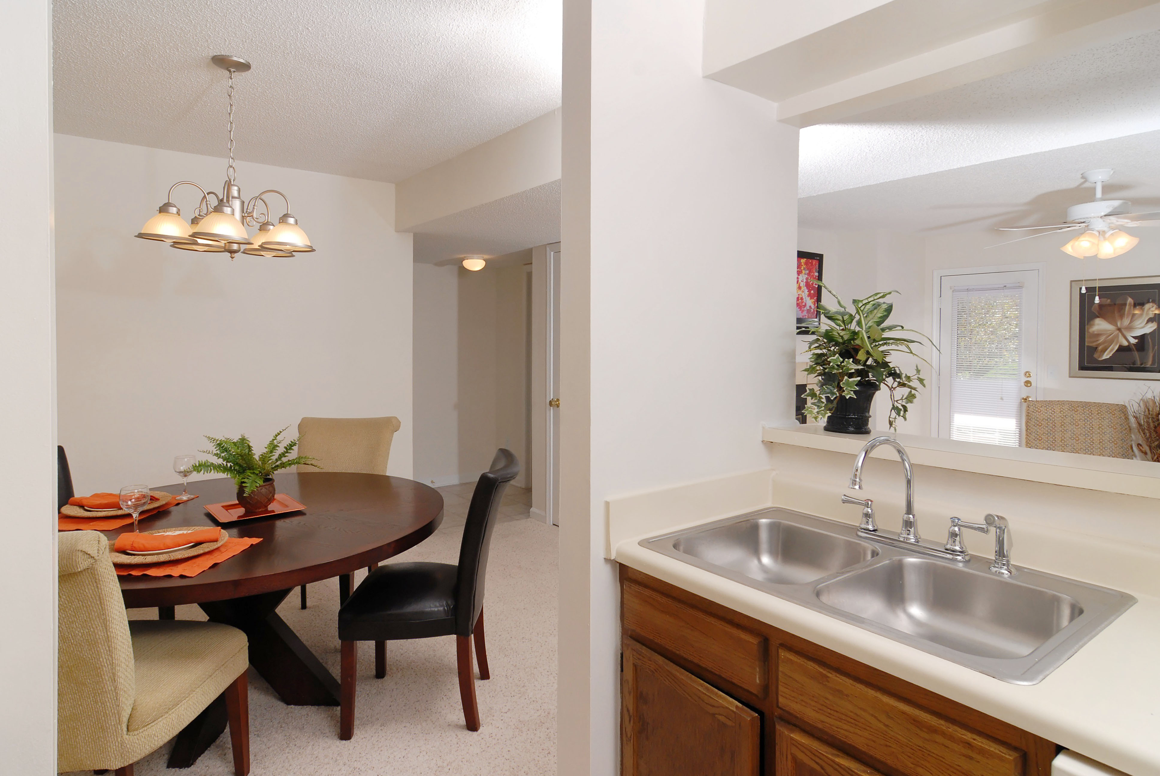 Cary Nc Rental Accommodations Brampton Moors Apartments